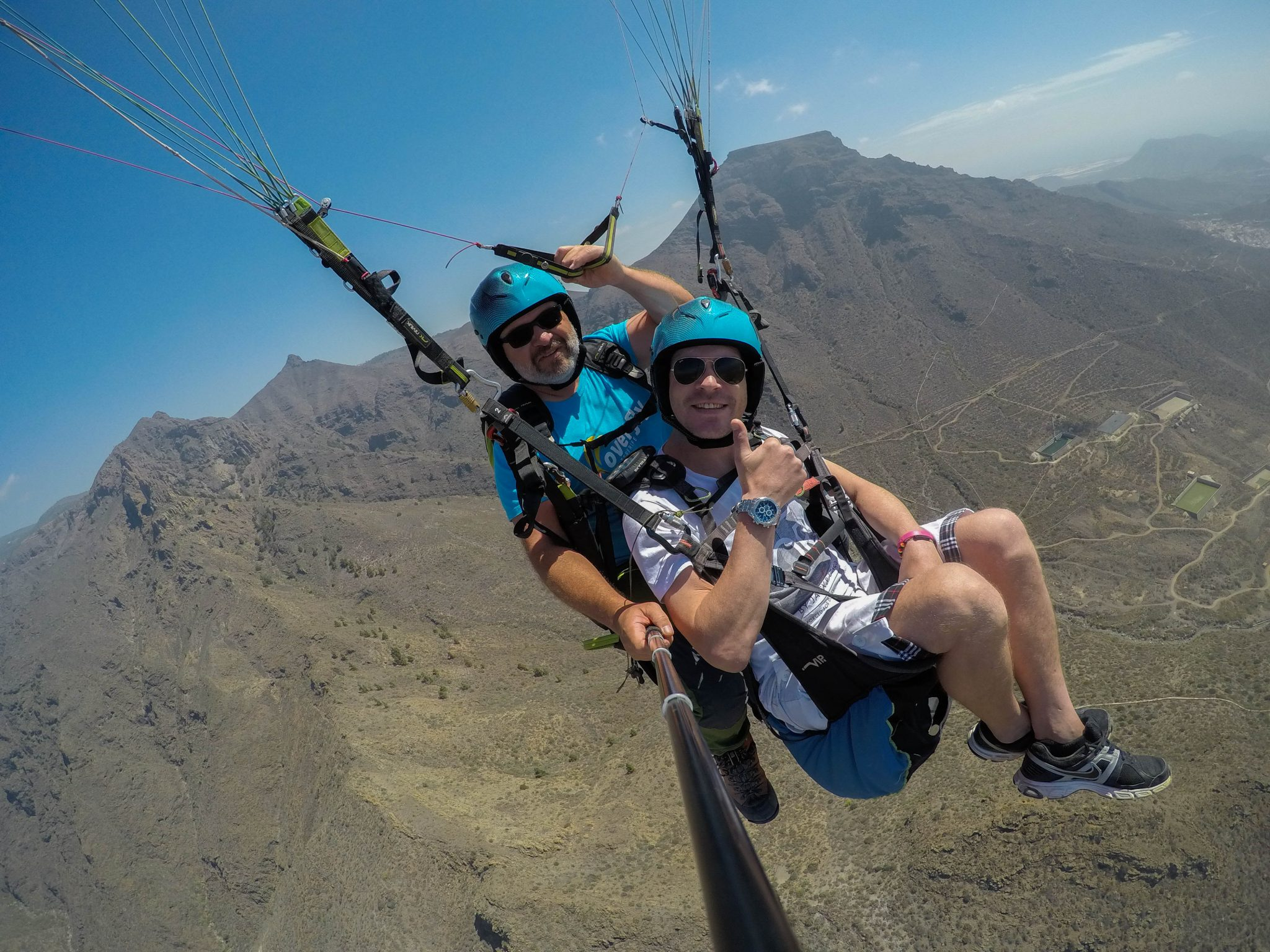 Paragliding for friends