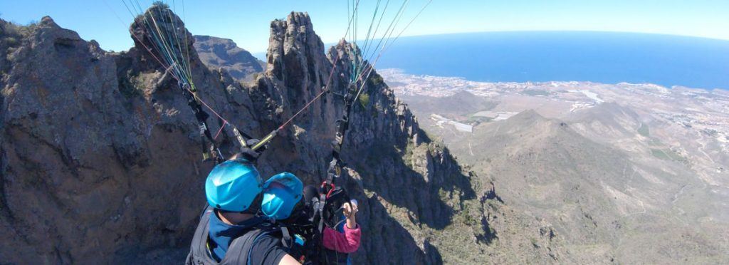Can the kids try paragliding?