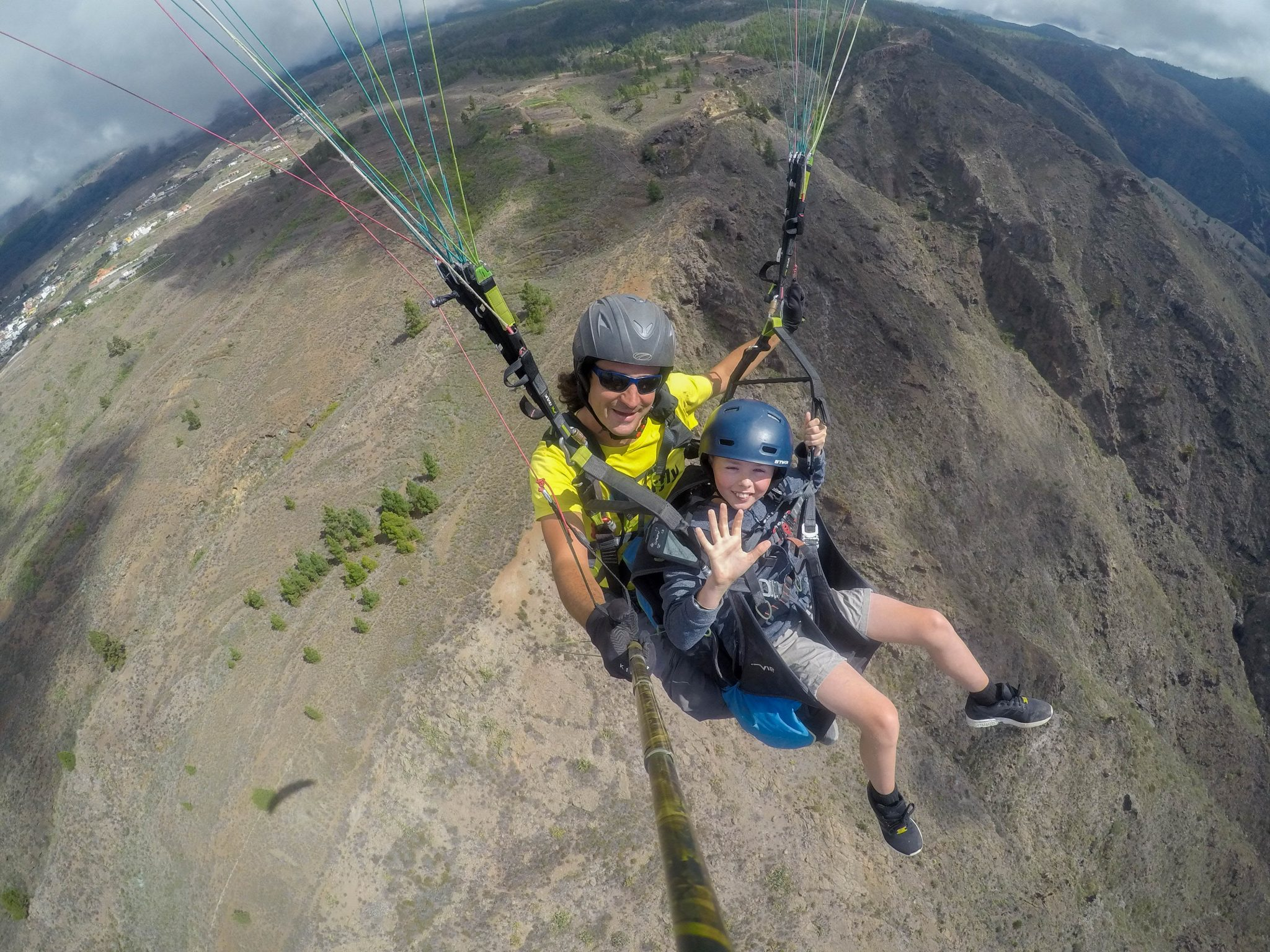 tandem-paragliding-for-children