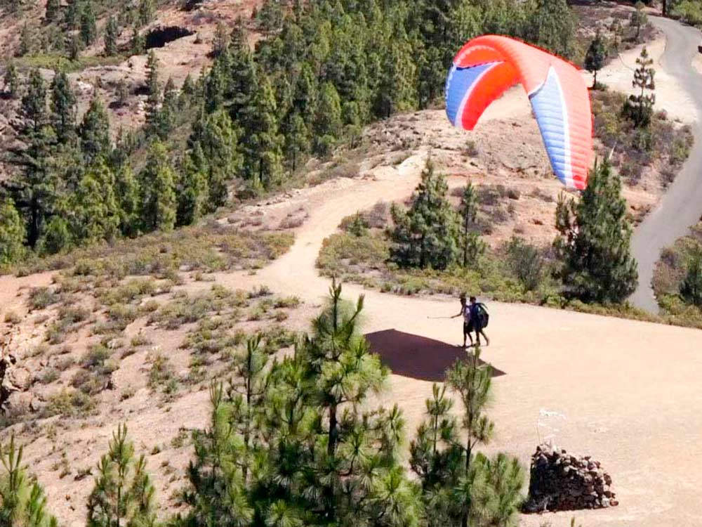 how is paragliding take off