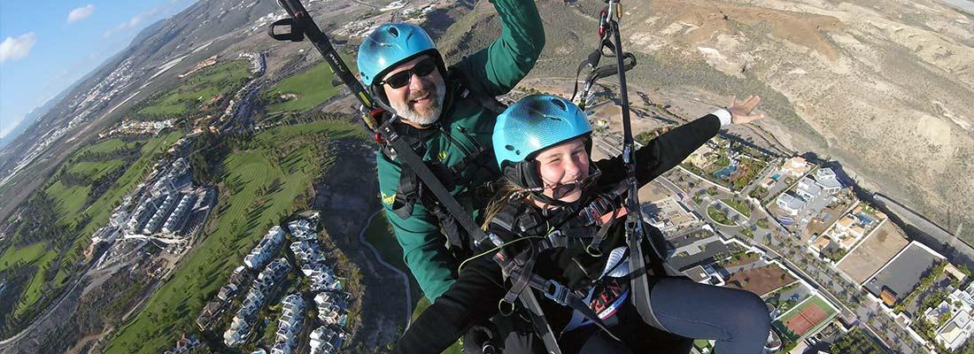 paragliding-vs-parasailing